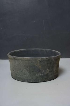 Terakotta krukke i grå