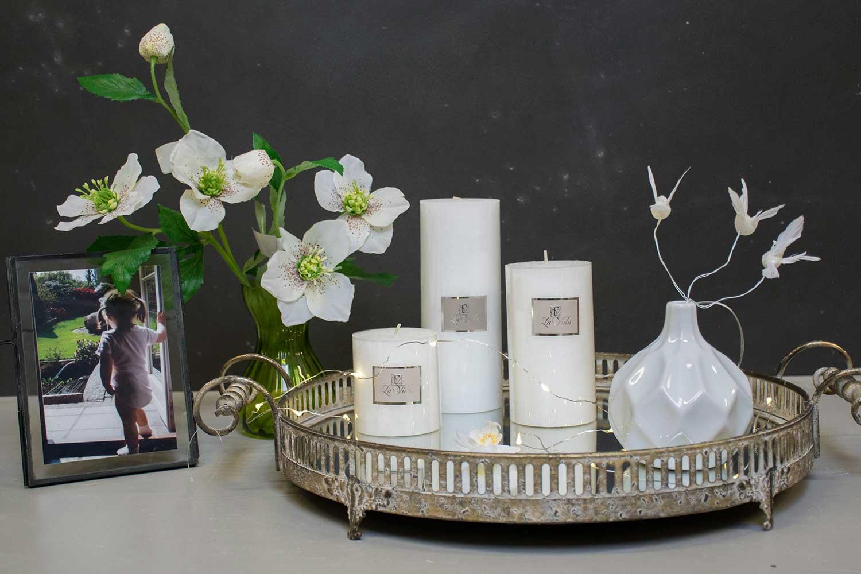 Vinter dekoration til hjemmet spejlbakke med hvide bloklys