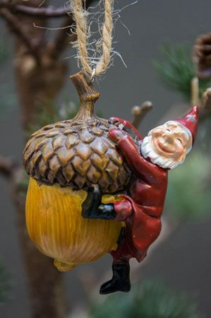 Harvesttime juleophæng - nisse på agern