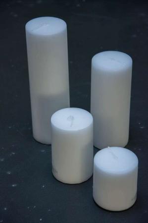 Hvide bloklys i 4 størrelser ideel til en adventskrans