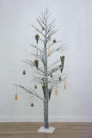 Kunstigt juletræ - gråt med sne