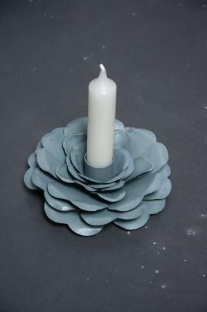 Jern lysestage formet som en rose