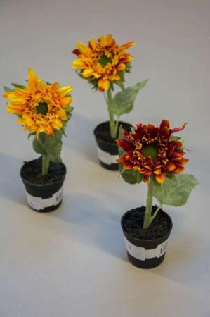 Kunstige blomster - solsikker i potte